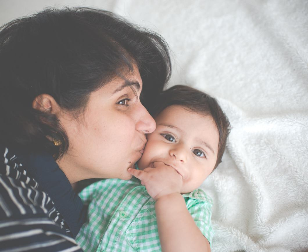 we are real moms - being mamma bear - real mom - perzen patel bawi bride mummy 3 Looking glass photography